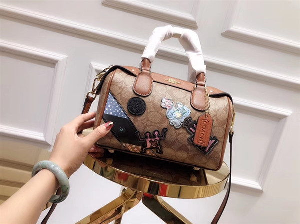 Fashion Queen Shoulder Bags Leather High-end Women's make Up Evening Bag Outdoor Nightclub Party Mobile Phone Handbag Free Shipping