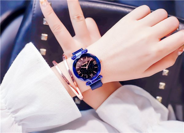 The new style of Female Watch in 2019 is waterproof and fashionable in the Korean version of Female Star Sky Watch. Support delivery on beha