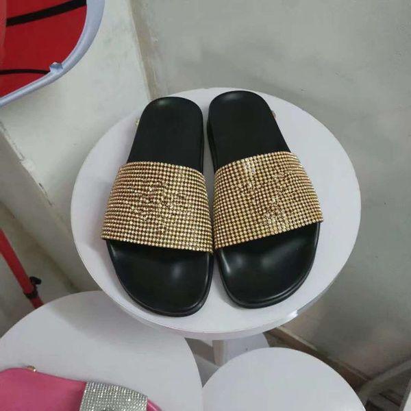 2019 Nuevas sandalias rayas Sandalias Zapatillas planas de mezclilla Zapatos Damas Verano al aire libre playa causal Chanclas Suela de cuero genuino hy190520