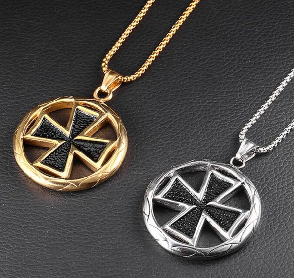 Punk Imperial Circle Cross Medal Necklace Men Titanium Steel Pendant Necklaces Mens Trendy Domineering Collar Trendy Gothic Jewelry Gifts