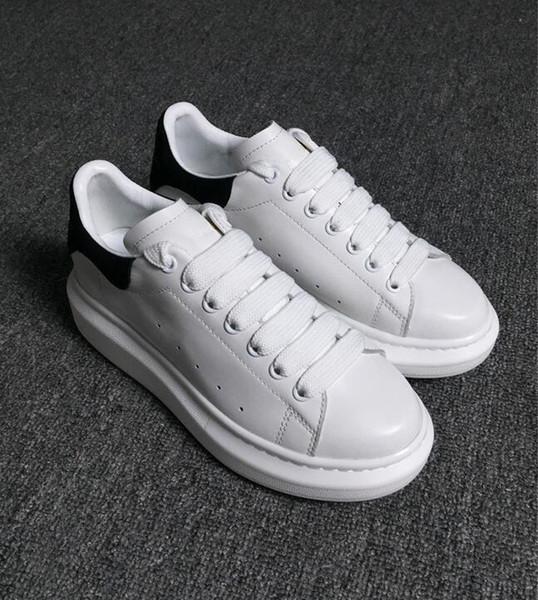 Designer De Luxe Mans Casual Chaussures En Cuir Hommes Femmes Mode Blanc En Cuir Confortable Chaussures Plat Casual Sneaker Daily Jogging Pas Cher En Vente