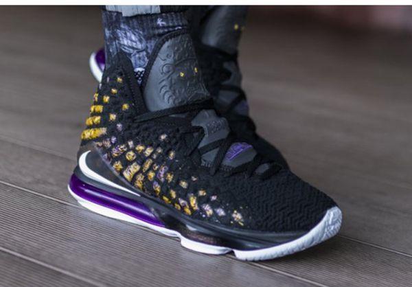 top popular Cheap new mens lebrons 17 XVII basketball shoes for sale retro lebron james 17s MVP BHM Oreo sneakersLBJ17 Sports 2019