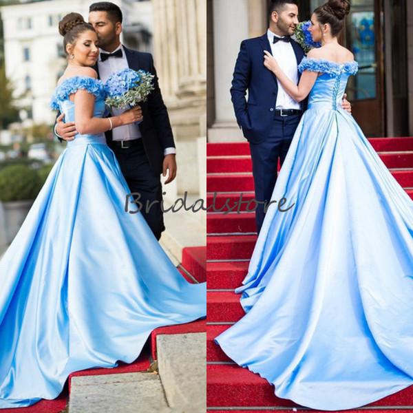 Fora Do Ombro Do Bebê Azul Vestidos de Baile Uma Linha Inchado Vestidos Quinceanera Desgaste da Noite Formal Com Flores Lace Up Vestidos de Recepção 2019 Barato
