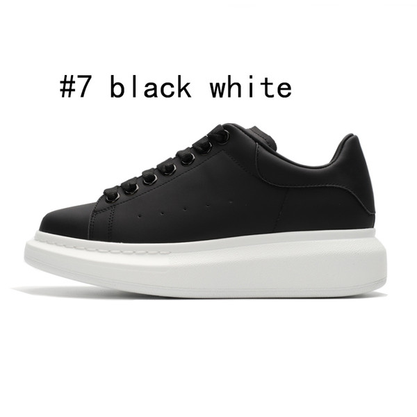 7 schwarz mit weißer Sohle 36-44