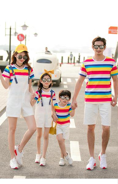 Modell: T K 5 2019 Neue Ankunft Familie, die Ausstattungssommert-shirts zusammenbringt Bequemes Wassermelonen-Rot