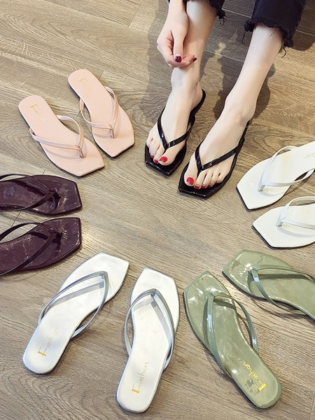 Flip-flop slippers for women wearing the new style of 2019 summer Baitao Fashion Flat Bottom Ladies Summer Pinch-toe Trawl Red Sandals