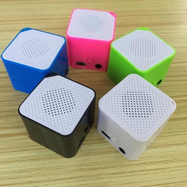Nuovo mini altoparlante audio esterna carta MP3 Walkman blocco vocali piazza lettore MP3 sport altoparlante portatile EL386