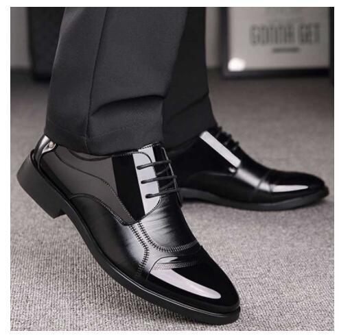 Uomini di vendita caldi della moda di New Leisure Business Suit Top primavera e l'autunno coreano con suola in gomma Affari scarpe di cuoio formato 38-44