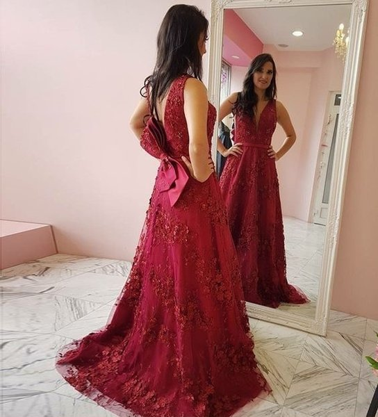 Bow Open Back A Line Long Prom Dresses 2019 New Sleeveless V Neck Tull Lace Applique Formal Evening Dress Party Gowns Custom Made