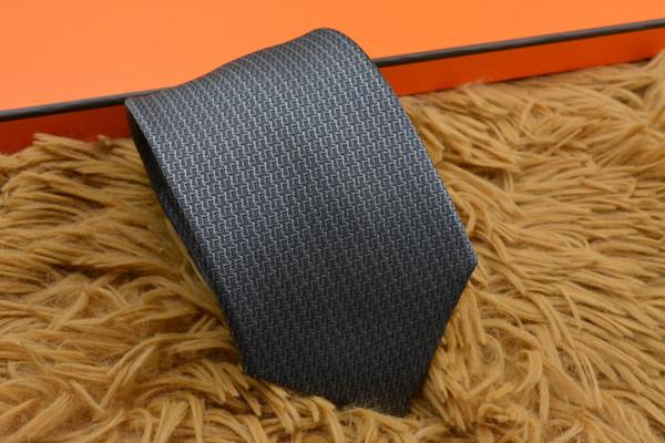 Alta Qualidade Mens Gravata Acessórios Gravata Designer de Moda Homens Laços De Seda para Homens de Negócios Casuais Empate