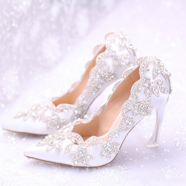 2019 Stylish Pearls Flat Wedding Shoes For Bride Prom 9CM High Heels Plus Size Pointed Toe Lace Bridal Shoes