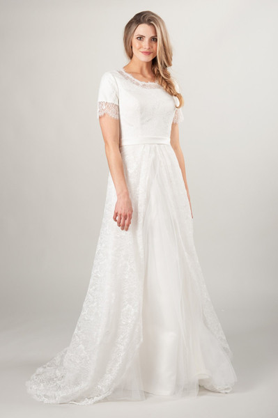 Discount 2019 A Line Lace Modest Wedding Dress With Short Sleeves