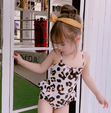 # 1 bébé fille maillot de bain