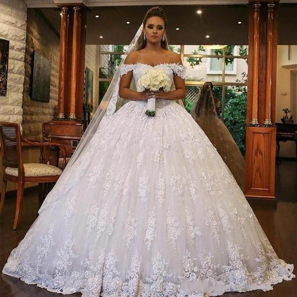 2020 Luxuoso vestido De Baile Vestidos De Casamento Dubai Árabe Fora Do Ombro Completa Rendas Apliques de Contas Abertas de Volta Trem Tribunal Barato Formal Vestidos de Noiva