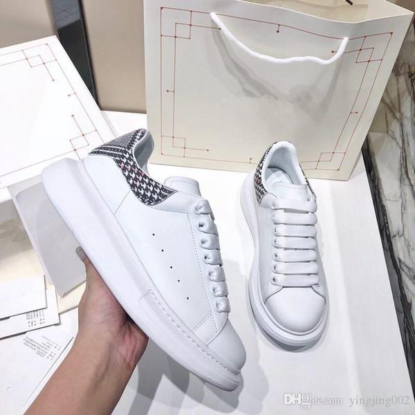 Mens Fashion fond de combinaison Six couches Triple S 17FW Dad chaussures de sport de sport pour femmes Designer Triple S avec semelle Chaussures xrx19091001
