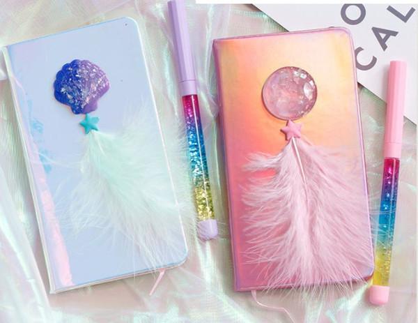 Cuaderno de color láser Cubierta decorada con plumas Bloc de notas Creativo con juego de diario de pluma