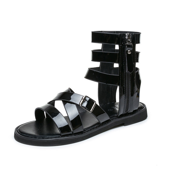 Avrupa Amerikan Roma Çapraz Kemer Tarzı Moda Kısa Serin Kızlar Bayanlar Kadınlar için Bootie Metal Punk Tarzı Elbise Ayakkabı Sandalet terlik