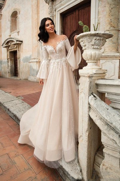 Graceful Arabic Garden Wedding Dresses Long Flare Sleeves Sheer Neck Sexy Open Back Court Train Wedding Dress Beach Lace Tulle Bridal Gowns