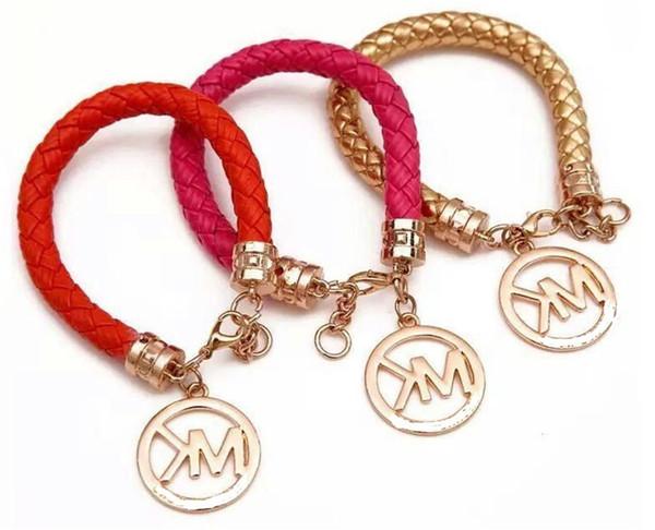 Yeni charm bilezik bayanlar lüks moda bilezik alaşım + pu yüksek kaliteli tasarımcı takı bir hediye olarak bohemian retro mektubu bilezik
