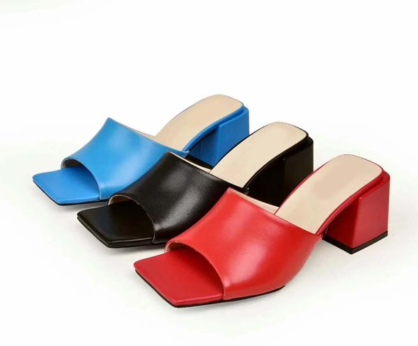 2019 mujeres huaraches sandalias zapatos de diseñador moda de verano ancha plana resbaladiza con gruesas sandalias de diseño zapatillas 35-41 con caja V1
