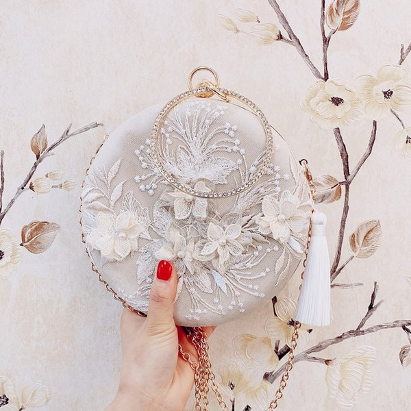 Angelatracy 2019 Neue Ankunft Handgemachte 3D Blume Stickerei Vintage Quaste Runde Tageskupplungen Crossbody Handgelenk Tasche Abendtasche