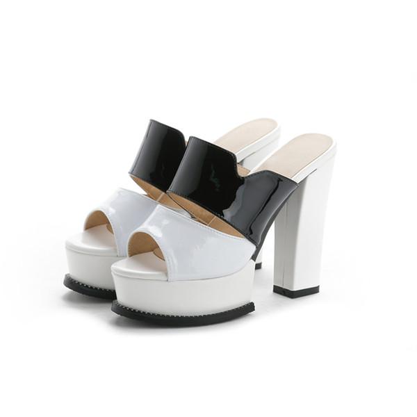 La mode féminine a glissé en cuir verni élégant talons hauts confortable bloc talons plate-forme sexy chaussures d'été pour femmes