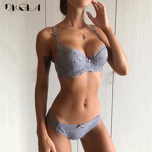 Confortável de Algodão Fino Mulheres Underwear Sexy Conjunto de Sutiã Plus Size C D copo Bordado Sutiã Push Up Bras Lingerie Rendas Conjunto Preto Y19072001