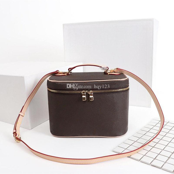 bolsa de maquillaje Flor de mujer vieja bolsa de maquillaje Bolso de diseño Diseñador de lujo bolsa de cosméticos Tamaño 24x17x13cm modelo M42265