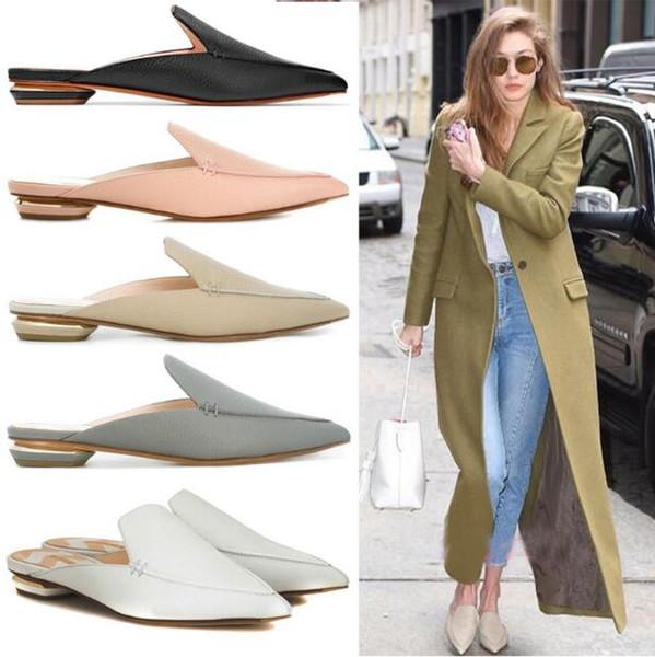 Designer de Mulheres Mulas Mocassins Chinelos de Couro Genuíno Dedos Apontados apartamentos ao ar livre Chinelos Europeu Moda Feminina Sapatos tamanho grande 34 ~ 43