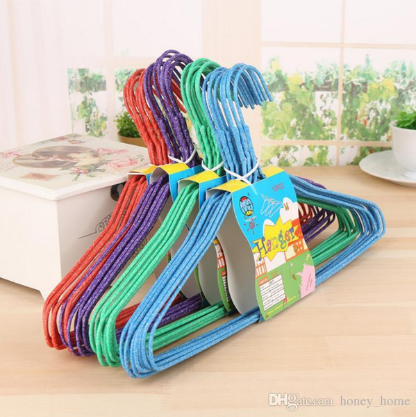 10pcs / lot The new type of nano - dip plastic clothes rack with a groove, non slip clothes rack, dry wet and dry clothes hanger