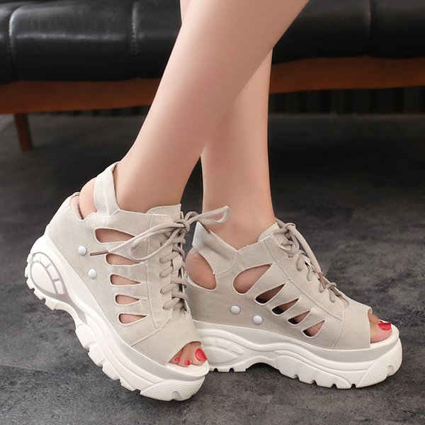 2019 women's sandals, summer fashion wedge with platform platform and fish-mouth Roman hollow sandals. T .5.6.3