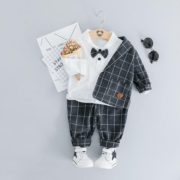 Traje del muchacho del niño Camiseta de la boda de la tela escocesa + Blazer + pants de los niños 3pcs del juego del vestido formal para la fiesta de cumpleaños de ropa recién Conjunto CJ191205