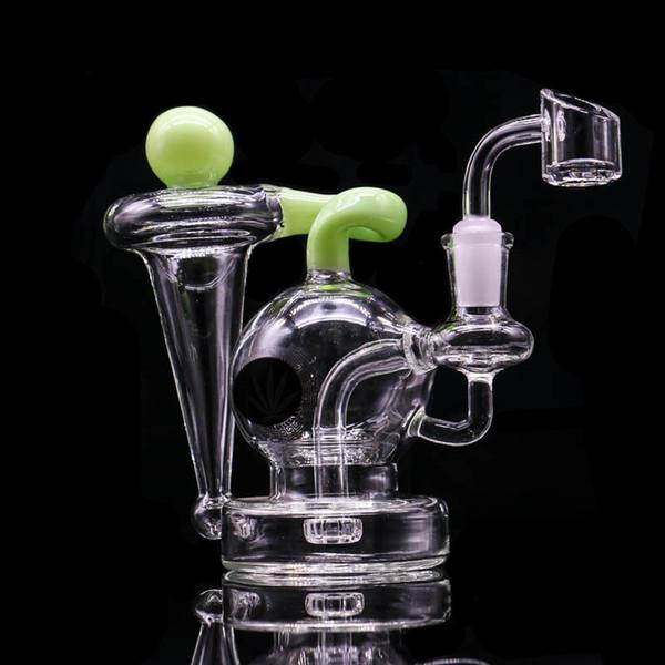 green with logo-quartz