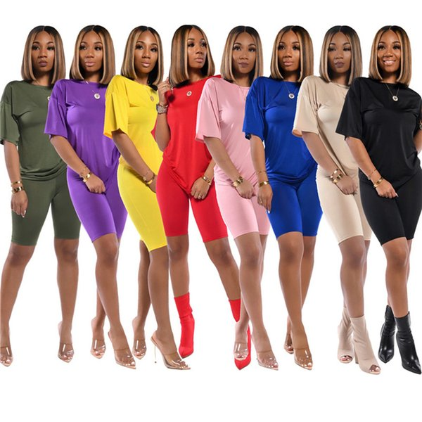top popular Plus size summer women shorts set outfits short sleeve T-shirt shorts designer outfits casual solid color sweatsuits sportswear 2616 2021
