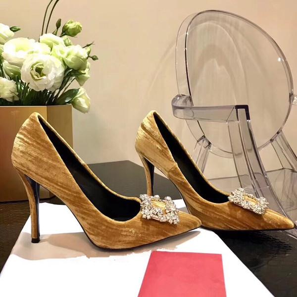 2019 черные лакированные туфли на высоком каблуке женское платье свадебная обувь уникальный дизайнер острым носом надеть твердые одиночные женские туфли by18121503