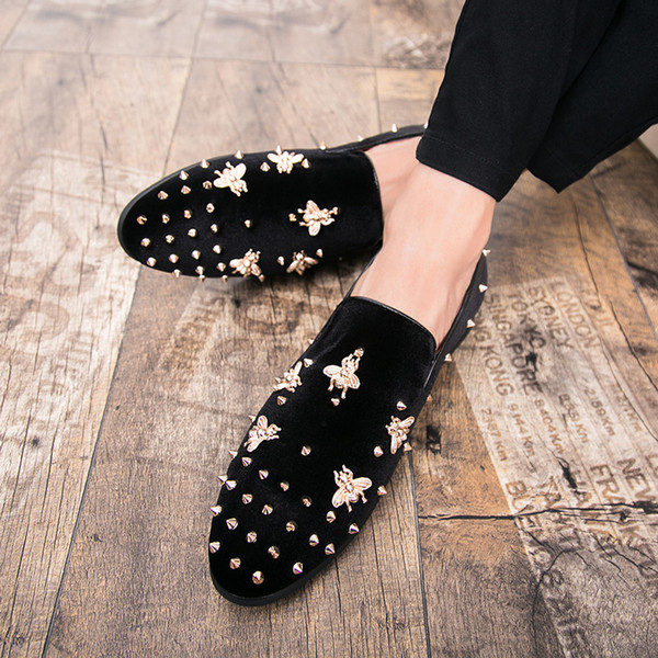 Yeni Moda Altın Üst ve Metal Ayak Erkekler Kadife Elbise ayakkabı İtalyan erkek elbise ayakkabı El Yapımı Loafer'lar