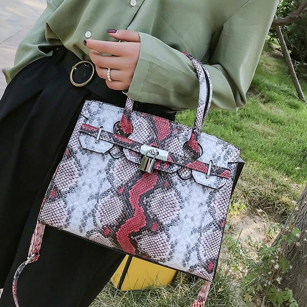 2019 nouvelle mode Lady épaule Serpentine Messenger Bag Lady cuir Pu fermeture éclair sauvage Sacs à main Serpentine shuntian / 7