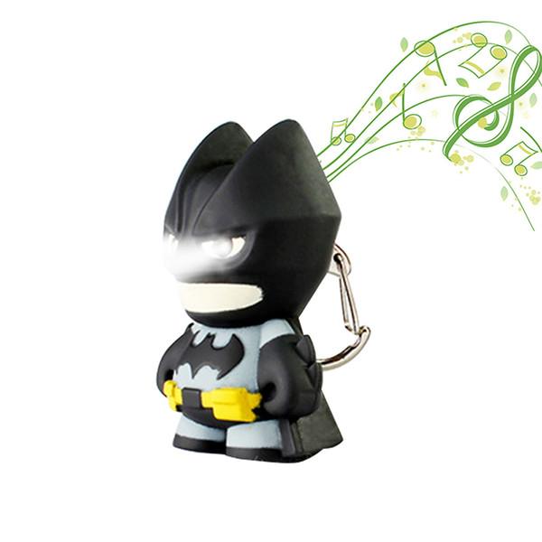 El llavero de dibujos animados de Batman con luz nocturna LED puede hacer una linterna de sonido para los niños.