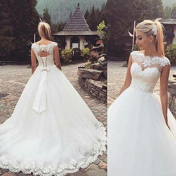 Glamorous Country Wedding Dresses Lace-Up Back Capped Sleeves A-line Applique Lace Wedding Gowns Sweep Train Tulle Sexy Sheer Bridal Dress