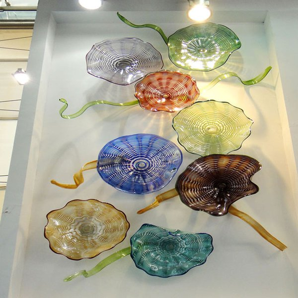Green Blue Red Hand Blown Wall Decor Glass Plates Murano Art Wall Hanging Custom Colorful Plate 8pcs for Hotel Hall Decoration