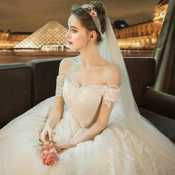 Fine new winter word shoulder long tail white simple thin wedding dress