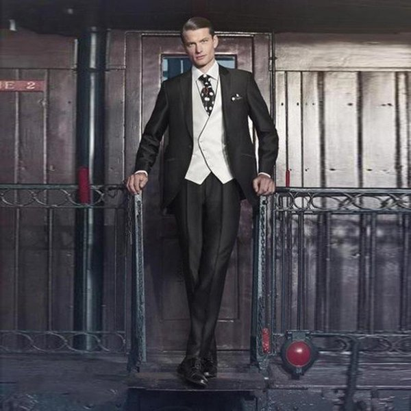 Handsome Groomsmen Wool blend Groom Tuxedos Mens Wedding Dress Man Jacket Blazer Prom Dinner 3 Piece Suit(Jacket+Pants+Tie+Vest) AA128