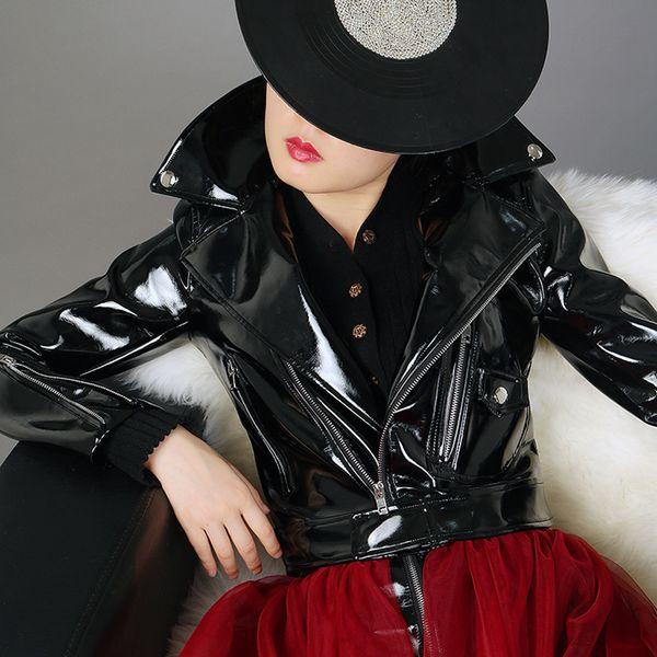 2019 Primavera Otoño Nuevos Abrigos cortos de charol Mujer Chaqueta de cuero PU de cintura alta BF Chaquetas de moto Negro Rojo W1629