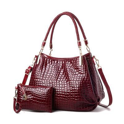 Sale crocodile pattern patent leather female bag mother bag shoulder slung mobile mother bag bright leather handbag
