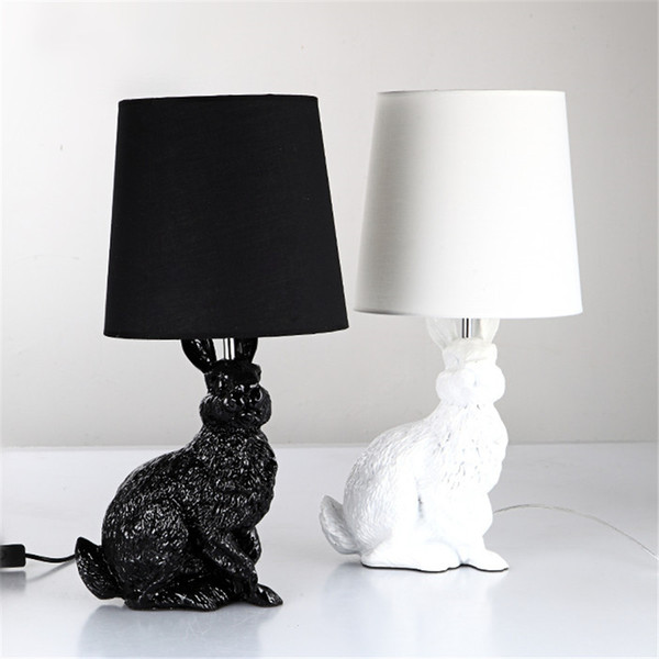 Blanc Lapin Lampe De Table Pour Salon Chambre Hôtel Outre La Lampe luminaria mesa Animal Home Deco Résine industrielle lampe de table