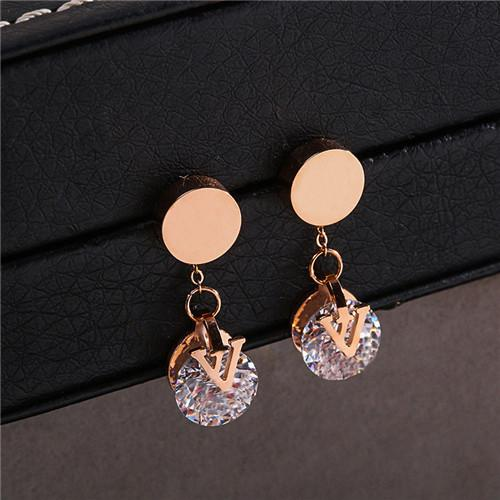 The new letter earring earring article female upscale temperament ear nail to act the role of