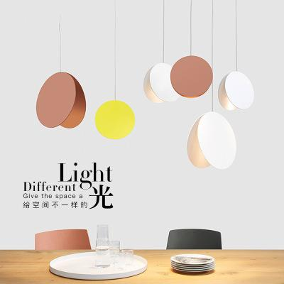 Фойе подвесных светильников Post Modern Столовой Macaron красочного Parlor Droplight Круглого Металл украшение Спальни Освещение