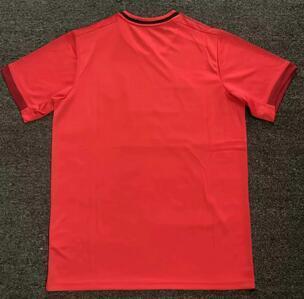19-20 الرئيسية الأحمر