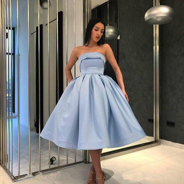 2019 Abiti Homecoming Breve senza spalline Juniors Sweet 15 abiti di laurea Una linea Cocktail Party Dress Plus Size Pageant knee-lunghezza