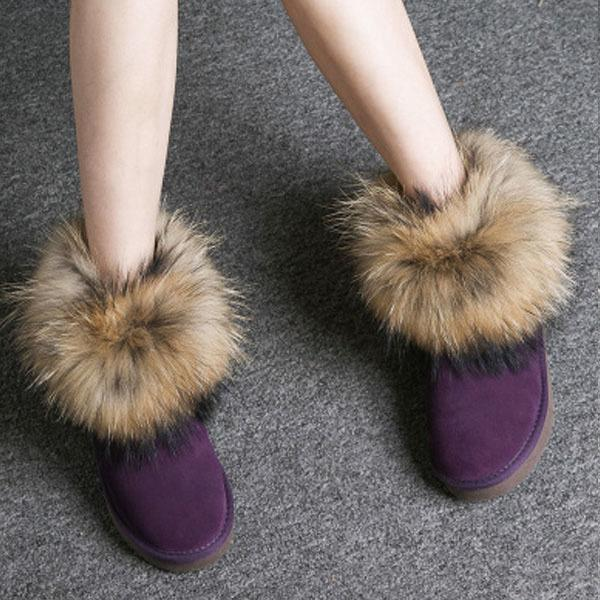 Dunkle Lila Schuhe